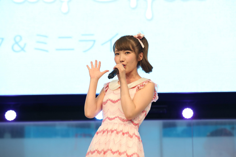 内田彩 最新アルバム『ICECREAM GIRL』の発売記念で池袋サンシャインシティにてフリーイベントを開催!