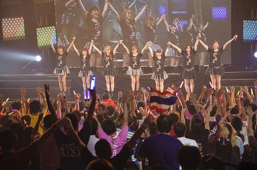 Berryz工房、タイ・バンコクで2度目のワンマンコンサート開催 Listen Japan