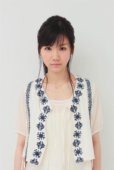 1stアルバム『ありがとう』をリリースする奥村初音 Listen Japan