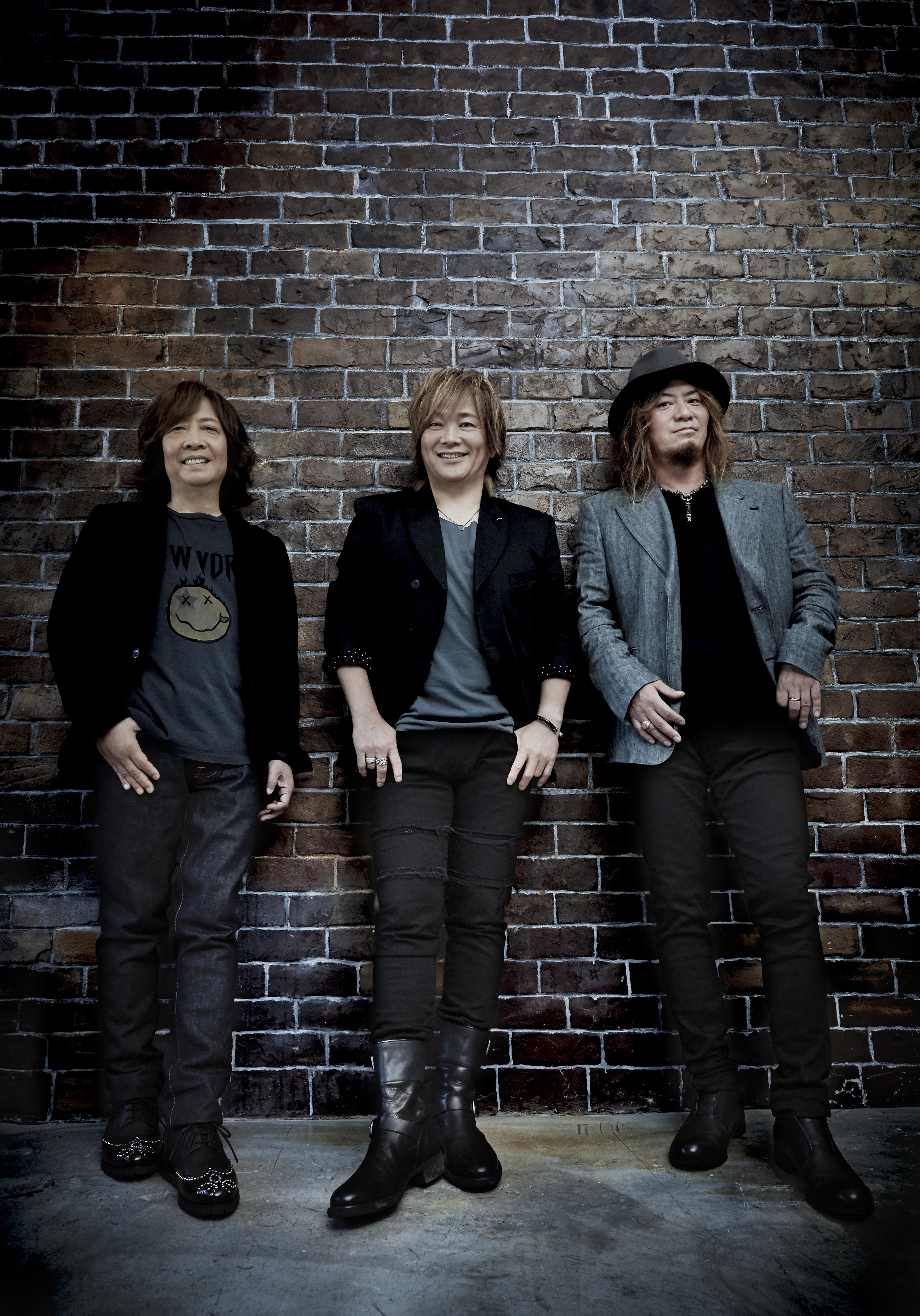 L→R 井上俊次(Key)、影山ヒロノブ(Vo)、高崎 晃(Gu)