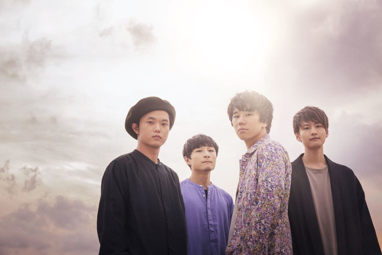L→R 白山治輝(Ba&Cho)、田中駿汰(Dr&Cho)、森良太(Vo&Gu)、小川真司 (Gu&Cho)