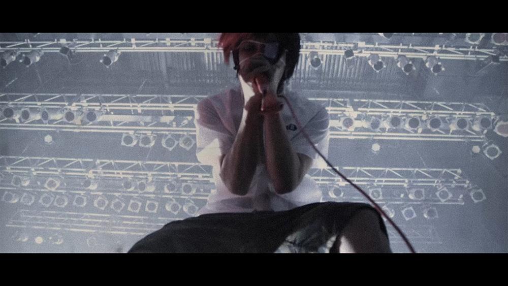 「Shut up」MV
