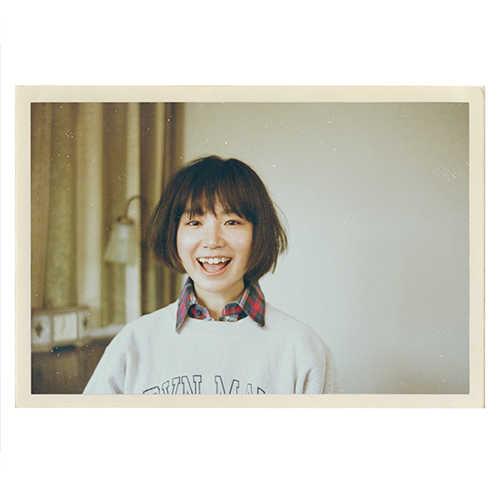 YUKI、最新アーティスト写真と、シングルコレクション&ライブビデオのジャケット写真を公開