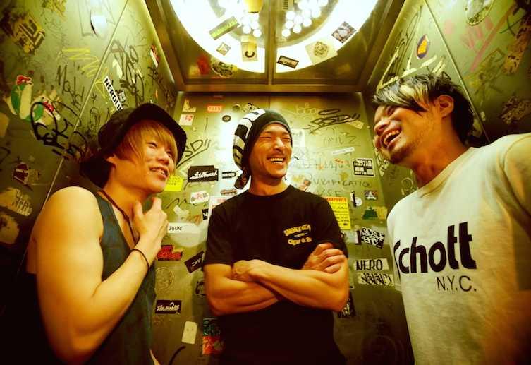 BUZZ THE BEARS 『武者修行』ゲストにa flood of circle, RADIOTをはじめ4アーティストが決定!!