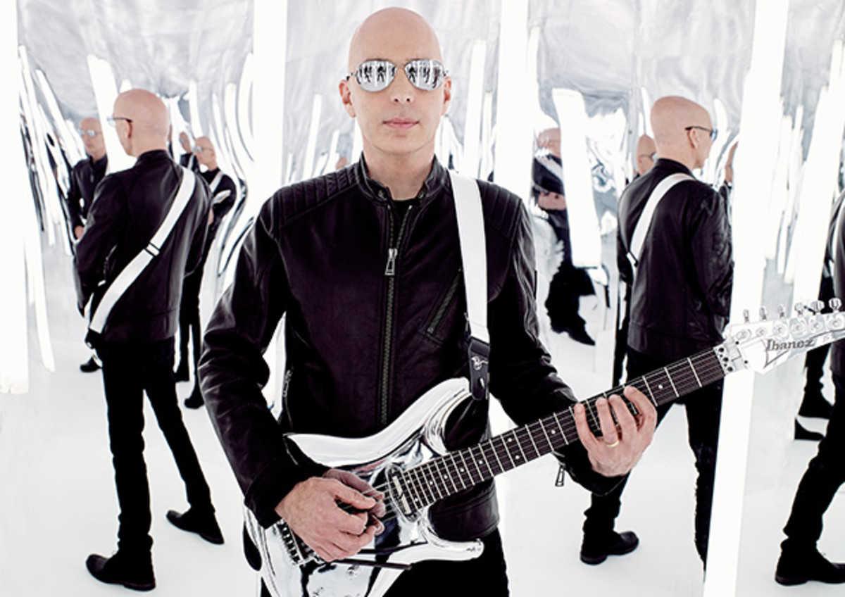 ジョーサトニアーニが、グレン・ヒューズ(ex DEEP PURPLE)、チャド・スミス(RED HOT CHILI PEPPERS)とのスーパートリオで制作したニュー・アルバム「What Happens Next」がついに登場!
