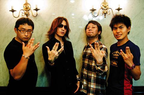 SUGIZO(LUNA SEA/X JAPAN/JUNO REACTOR)&HAL/M高史/ゴンゾー応援記念写真