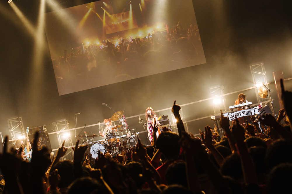SILENT SIREN、ファンの声を元にした リクエストライブ開催!  ランキング1位の楽曲は「Limited」