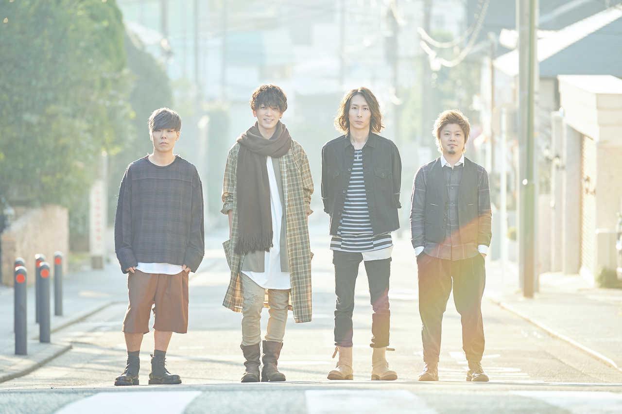 L→R LOVE大石(Dr)、PON(Vo&Gu)、ikoma(Gu&Cho)、たく(Ba)