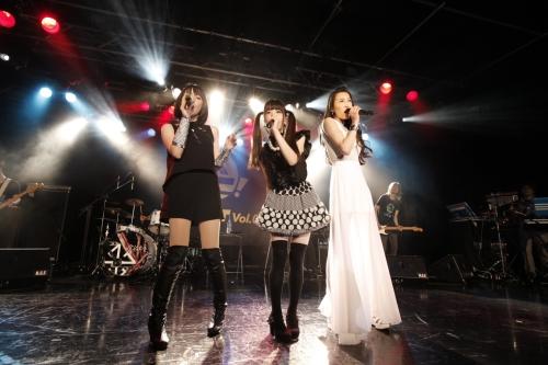 """""""リスアニ!CIRCUIT Vol.04""""でサプライズコラボを披露した藍井エイル、ELISA、春奈るな"""