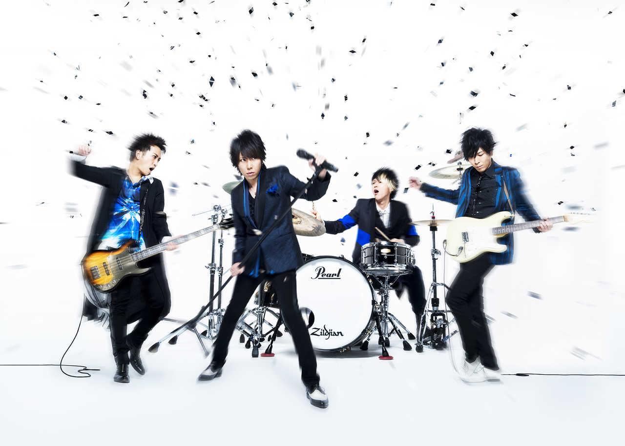 L→R 明希(Ba)、マオ(Vo)、ゆうや(Dr)、Shinji(Gu)