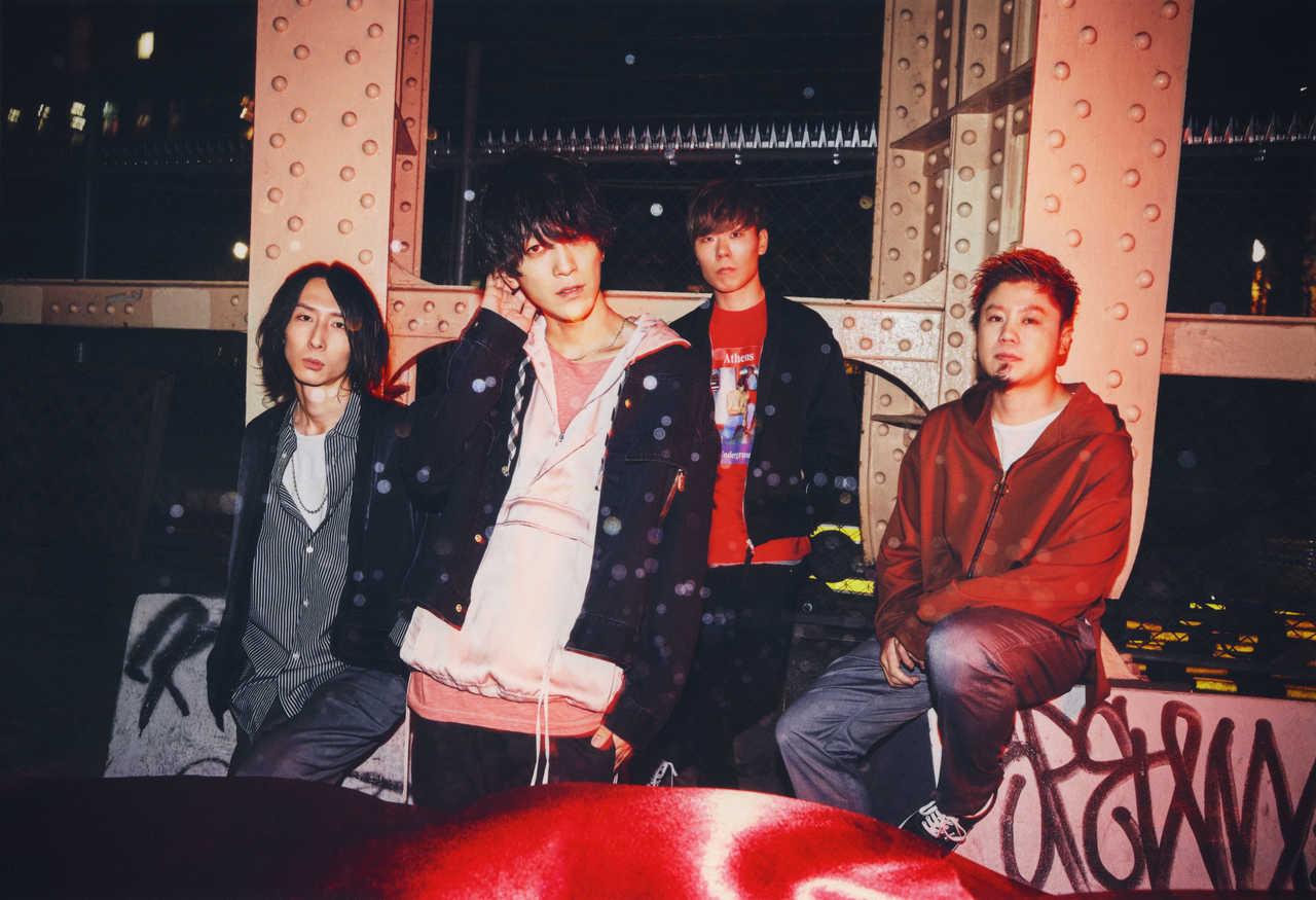 L→R ikoma(Gu&Cho)、PON(Vo&Gu)、LOVE大石(Dr)、たく(Ba)