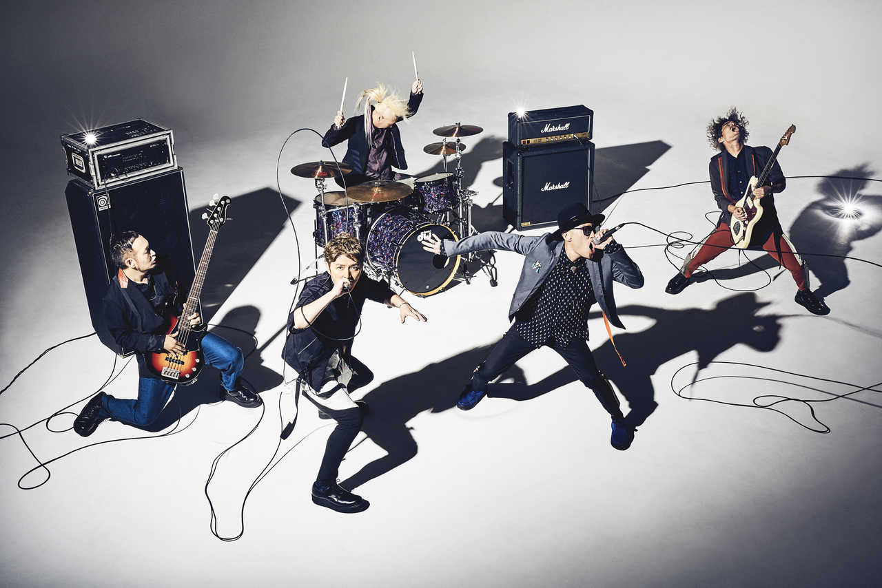 L→R GOT'S(Ba)、KEIGO(Vo)、IWASAKI(Dr)、KOHSHI(Vo)、TAKE(Gu)