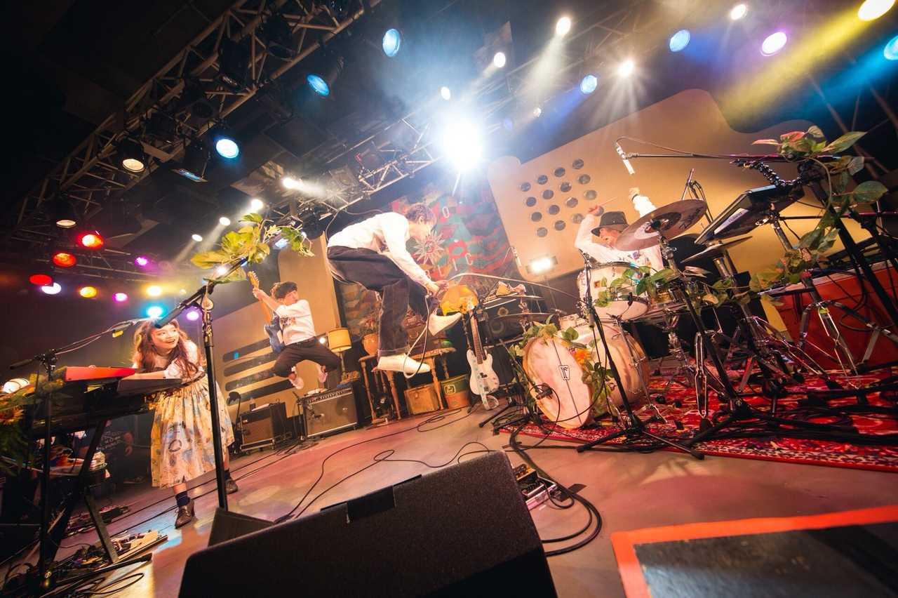 Czecho No Republic アルバムツアーファイナル公演大盛況!来年1月にメンバー持ち込み企画の限定公演の開催発表