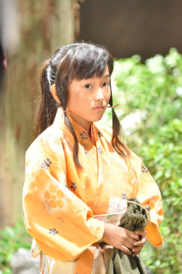 大河ドラマに出演するギター少女並木瑠璃