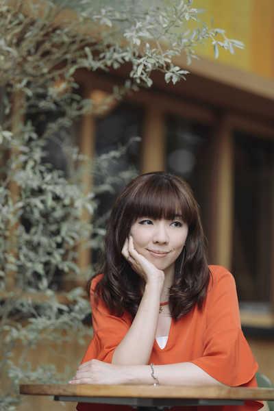 岡本真夜 インタビュー】温かい気持ちになったり、笑顔になれる作品を ...