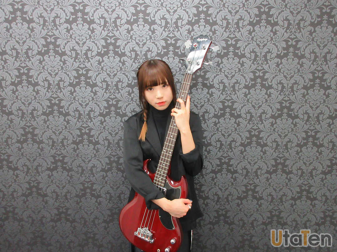 「BiSH」アユニ・Dがソロバンドプロジェクトを始動!歌い方を意識したアーティストとは?