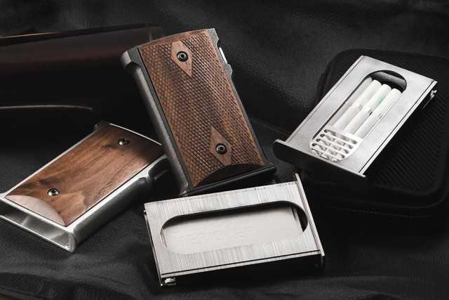 「ルパン三世」銭形警部も愛用する拳銃「ガバメント」のグリップを再現したカードケース