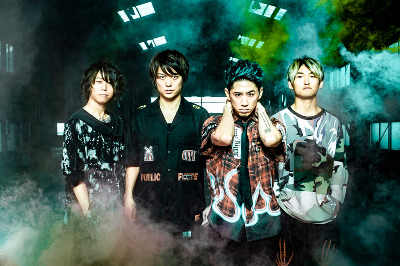 L→R Ryota(Ba)、Toru(Gu)、Taka(Vo)、Tomoya(Dr)