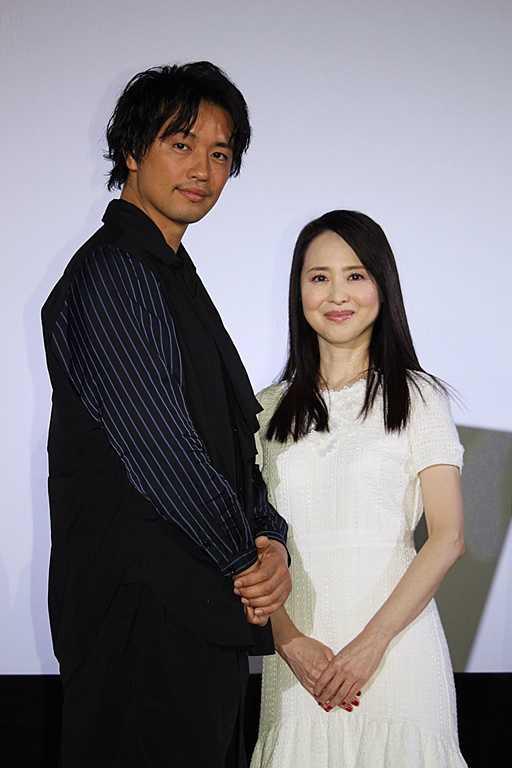 斎藤工(左)と松田聖子