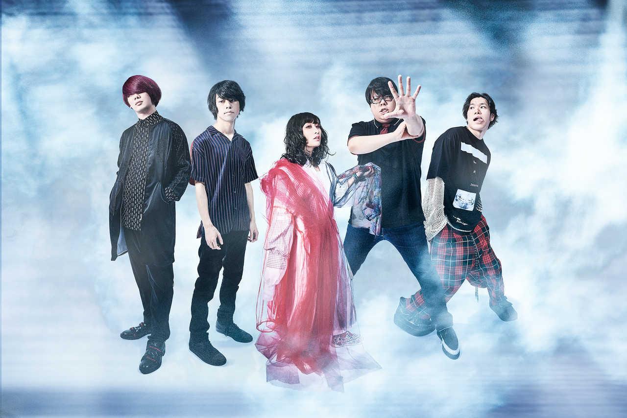 チケットが即日完売した4月1日「結成5周年イベント」のLINE LIVE生配信が急遽決定!