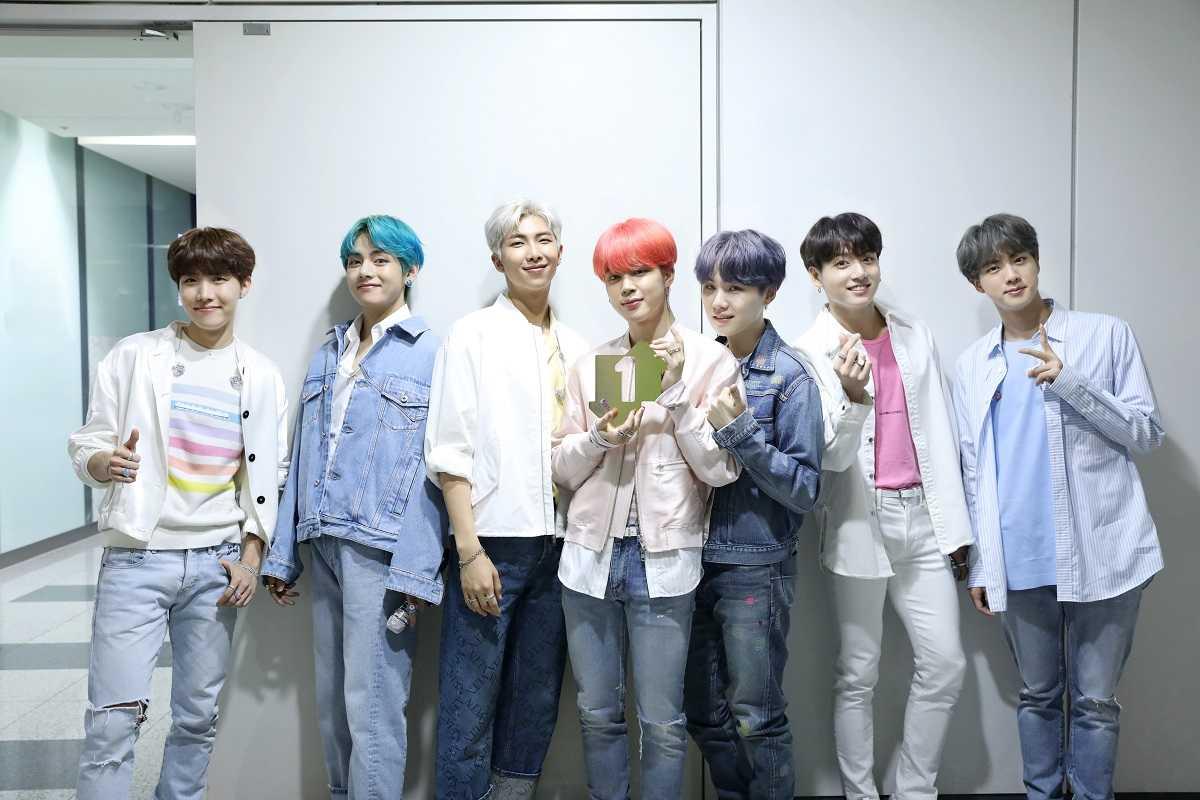 BTS、最新アルバム「MAP OF THE SOUL : PERSONA」イギリスで1位!韓国アーティスト初!