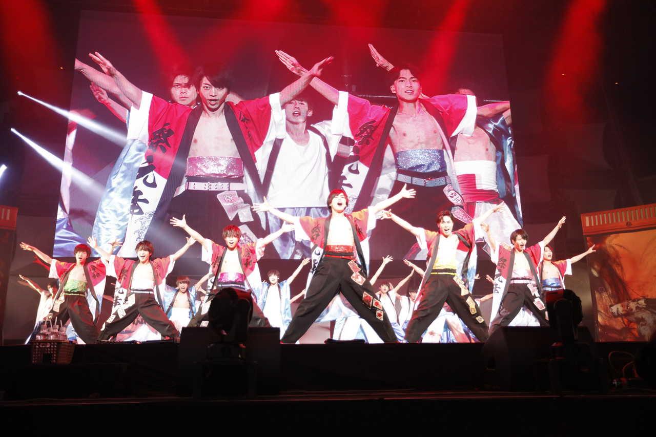 令和一日・日本武道館公演、大きな感謝と成長への思いを込めて祭nine.「ゴールデンジパングソウル」完全熱唱!