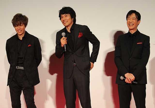 (左から)早乙女太一、松山ケンイチ、堺雅人