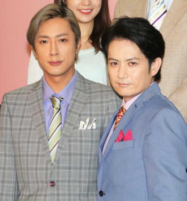 12年ぶりに共演する内博貴(左)と佐藤アツヒロ