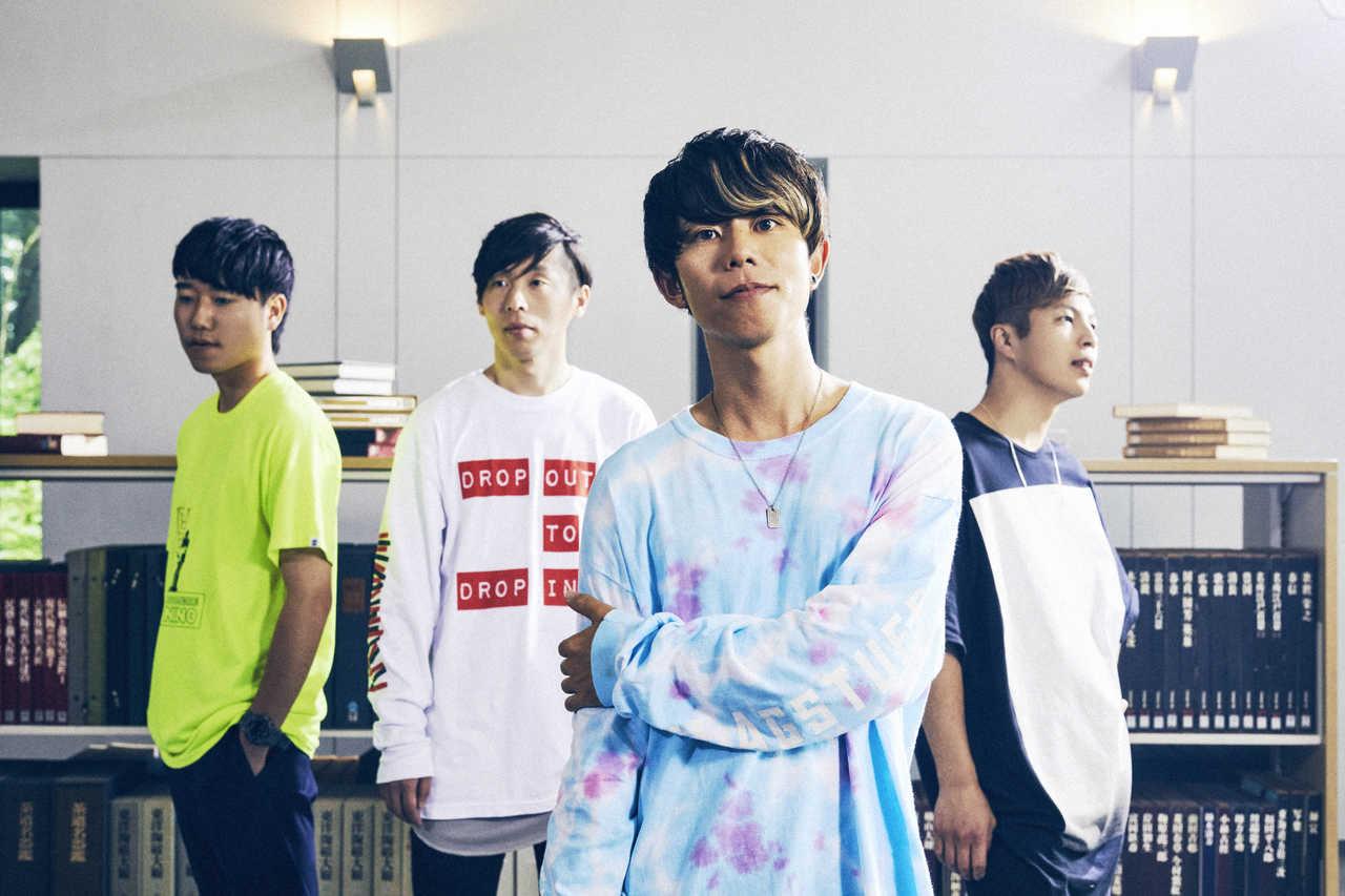 L→R Ritsuya(Dr&Cho)、Gucci(Gu&Cho)、Satoshi(Gu&Vo)、Fujimon(Ba&Cho)