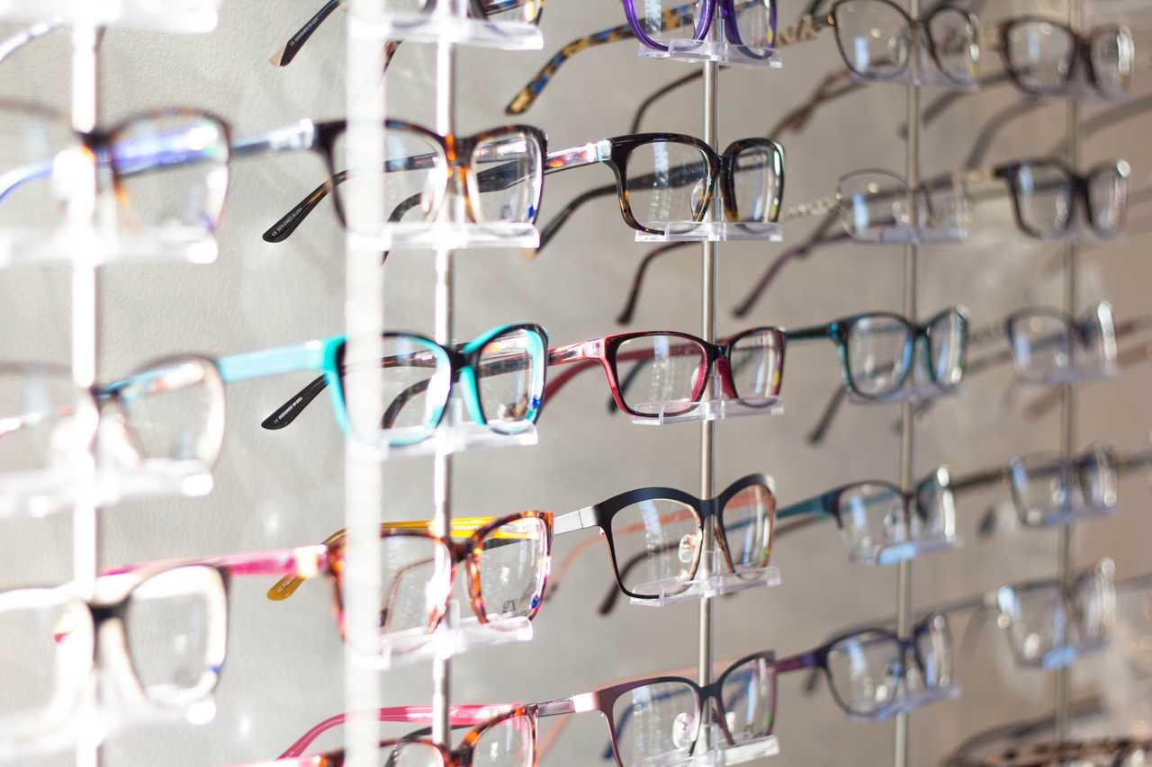 知ってました?10月1日はメガネの日!