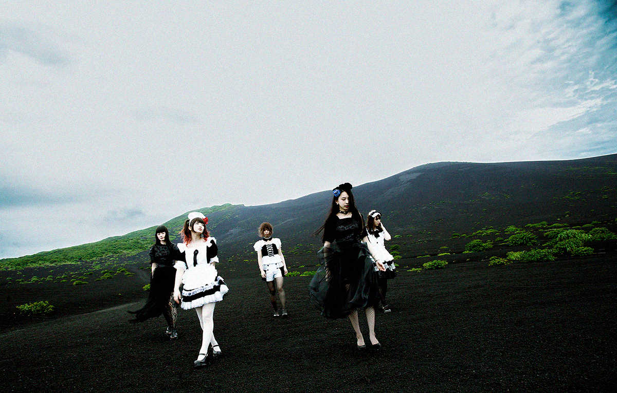 BAND-MAID、アルバム「CONQUEROR」リリース決定!