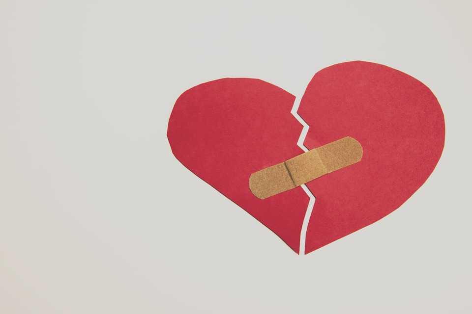 失恋から、一歩前へ!傷ついた心に優しい失恋ソング3選