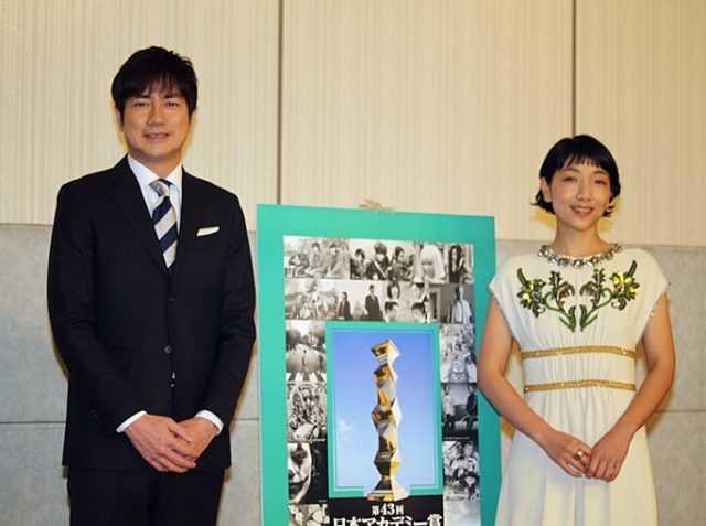 羽鳥慎一(左)と安藤サクラ