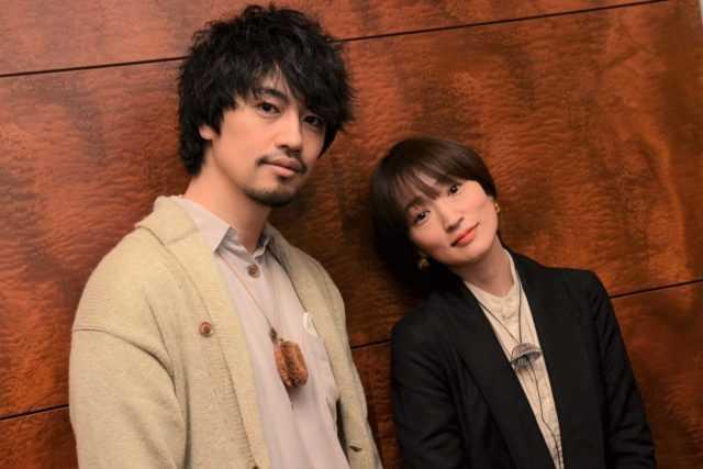 齊藤工監督(左)と安藤裕子