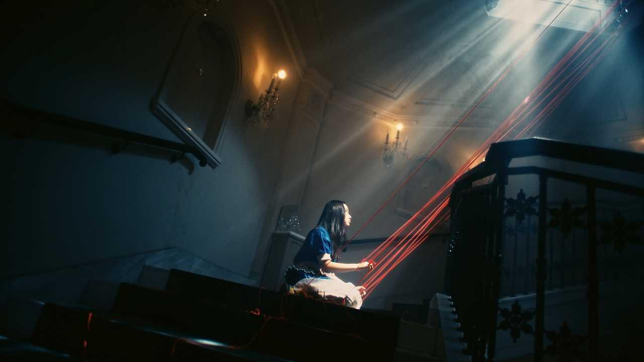 さユり、13歳の天才ダンサーTSUKUSHIが踊るねじれた世界!「ねじこ」MVをプレミア公開!