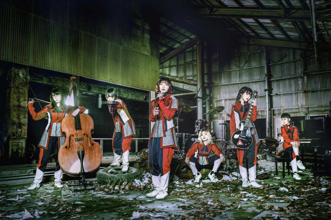 """""""楽器を持ったパンクバンド"""" BiSH? 新曲「TOMORROW」Music Video、新ヴィジュアル公開!"""