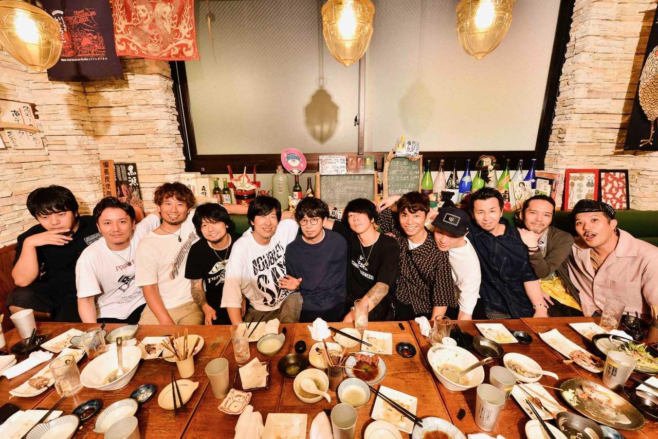 アジカン・エルレ・テナーによる対バンツアー「NANA-IRO ELECTRIC TOUR 2019」が映像商品化!