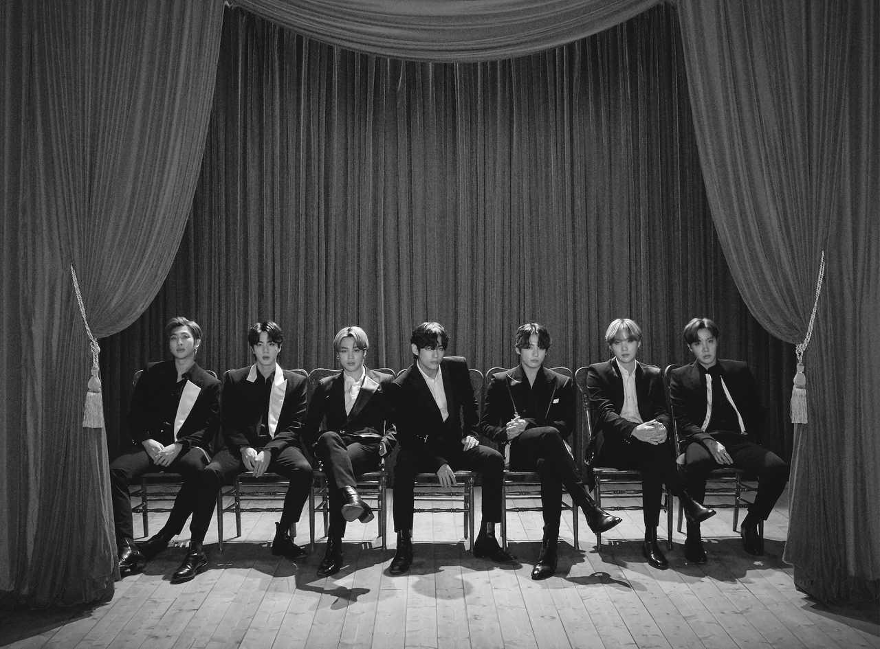 BTS、8/21(金)発売!世界が注目のNEWシングル'Dynamite'のロゴを公開