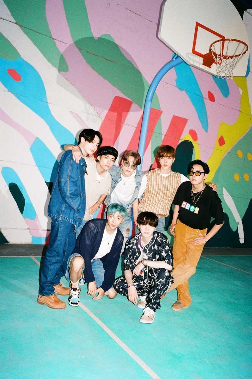 BTS、米ビルボード'HOT100'2週連続1位!韓国初新記録