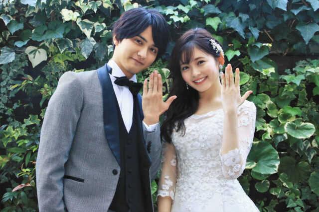 夫婦役を演じる瀬戸利樹(左)と久間田琳加