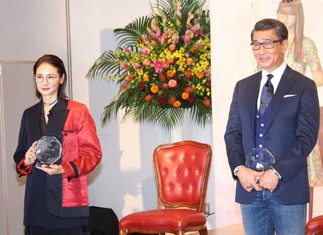 吉田羊(左)と中井貴一