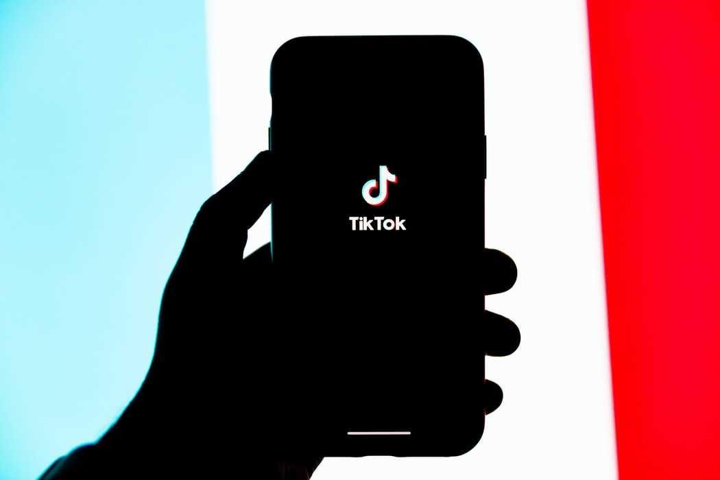 エモい曲から踊れる曲まで!2020年11月のTikTok話題曲をご紹介!