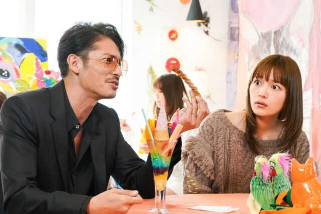 玉木宏(左)と川口春奈 (C)読売テレビ