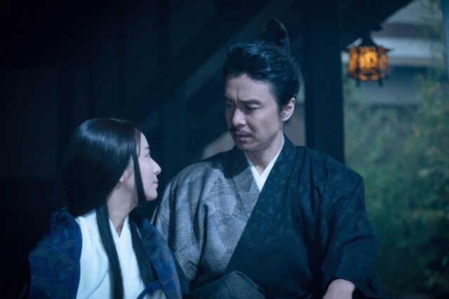(左から)熙子役の木村文乃、明智光秀役の長谷川博己
