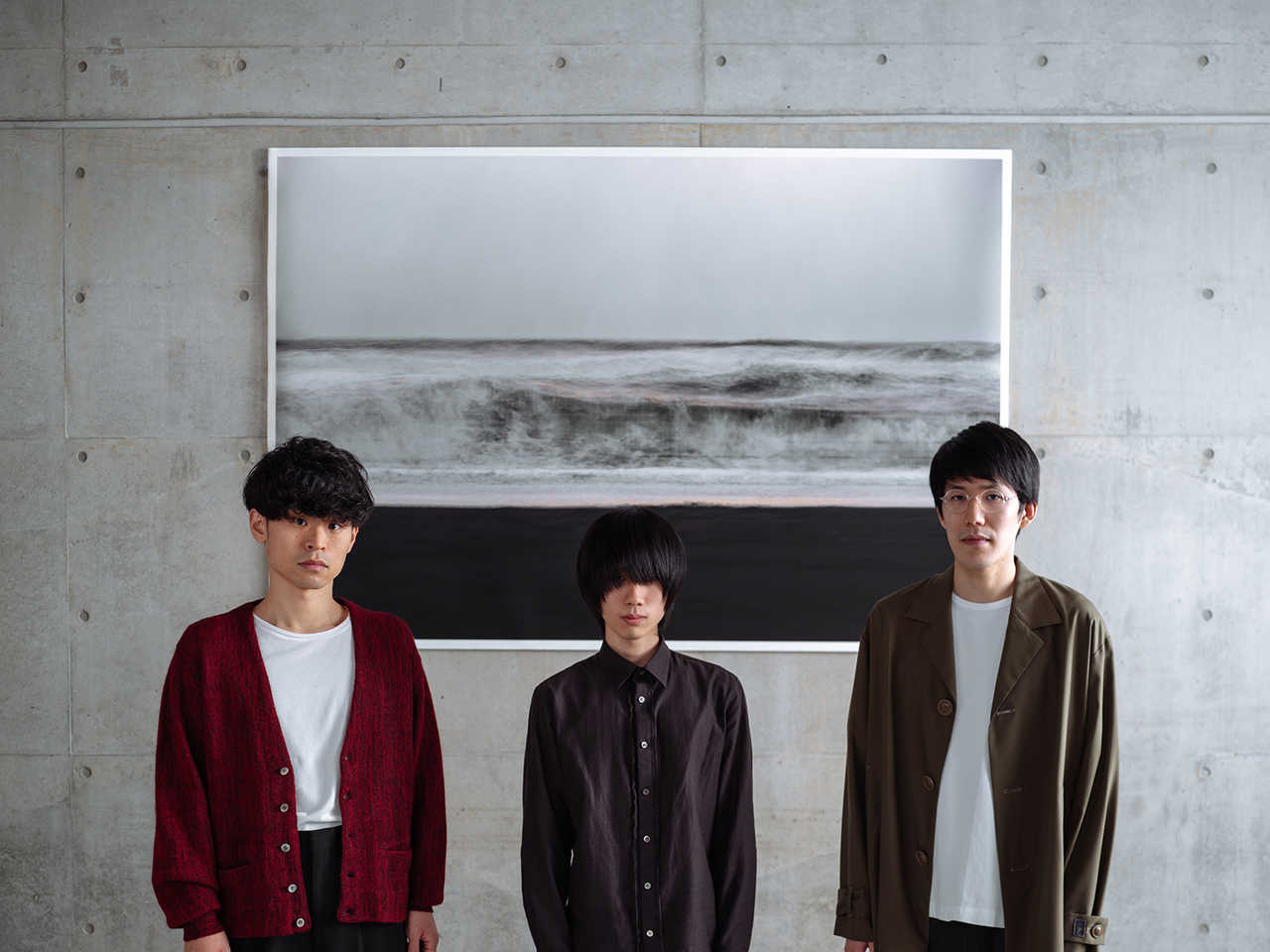 L→R 峯岸翔雪(Ba)、ナカシマ(Vo&&Gu)、原 駿太郎(Dr)