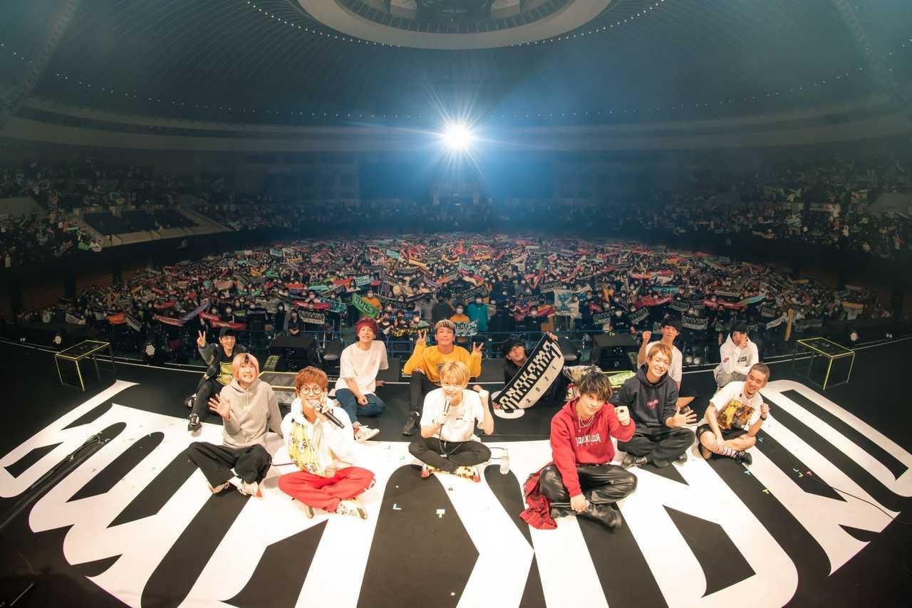 04 Limited Sazabys、THE ORAL CIGARETTES、BLUE ENCOUNT「ONAKAMA 2021」アリーナツアー初日大盛況で終了!