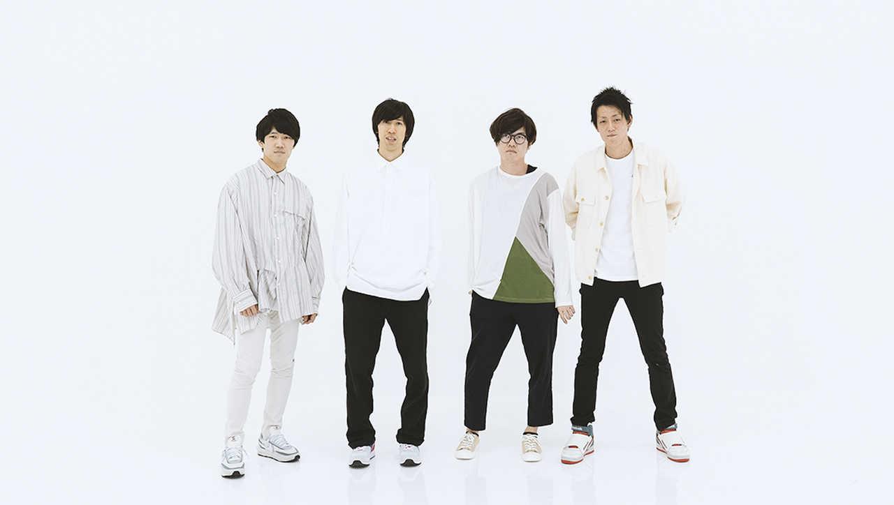 L→R まっすー(Ba&Cho)、た。(Vo&Gu)、つよし(Dr&Cho)、いなば(Gu&Cho)