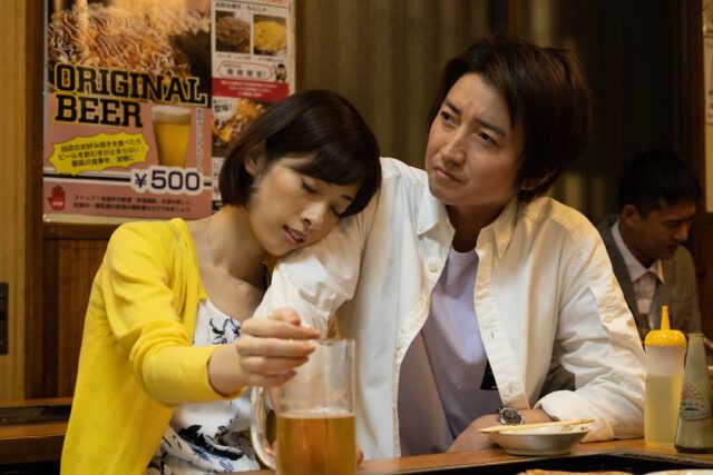明日海りお(左)と藤原竜也 (C)カンテレ