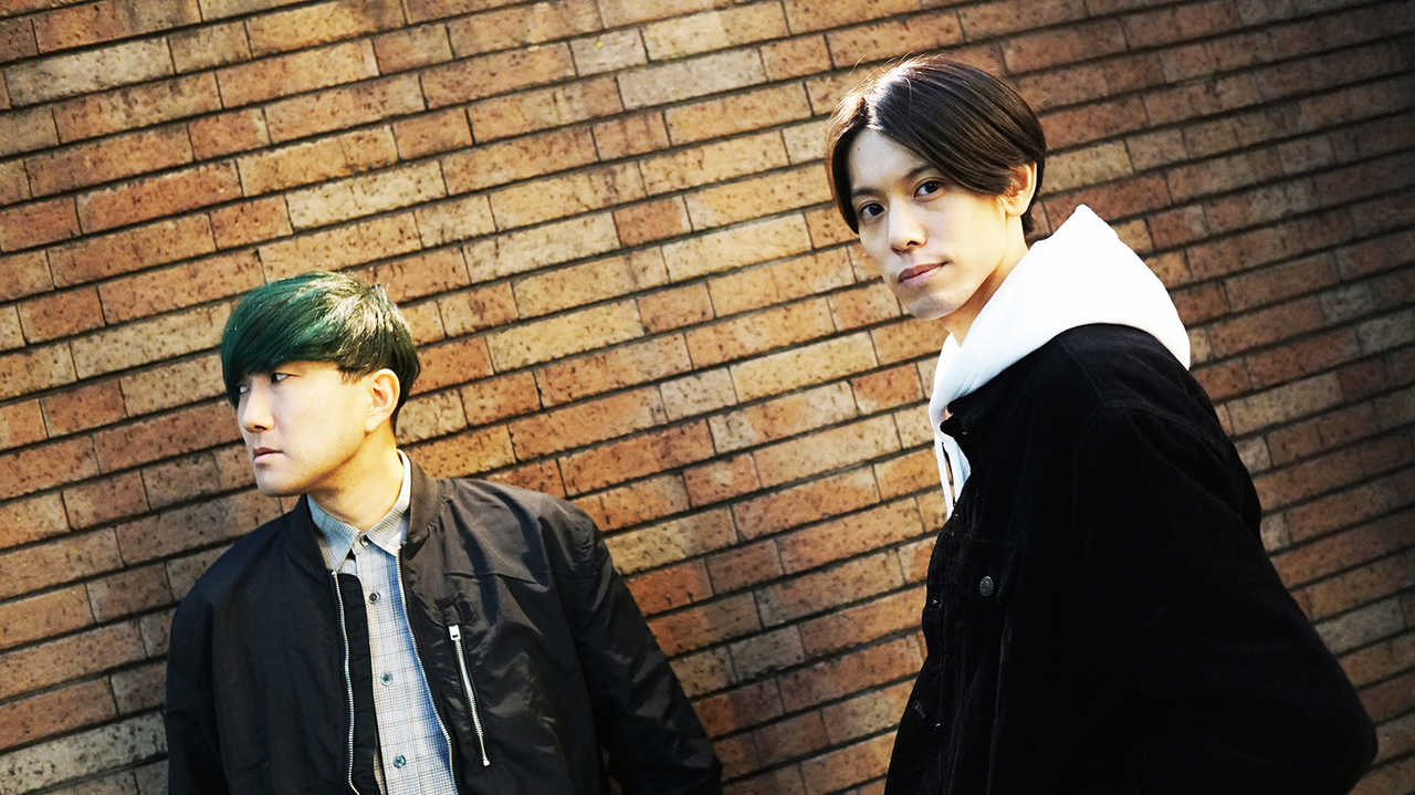 L→R Fin(Vo&Gu)、沢城千春(Vo&Gu)