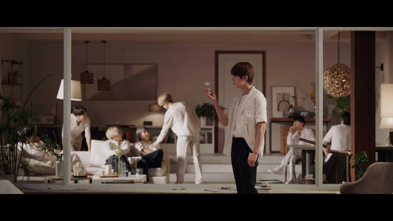 BTS 新曲「Film out」ミュージックビデオ解禁!!